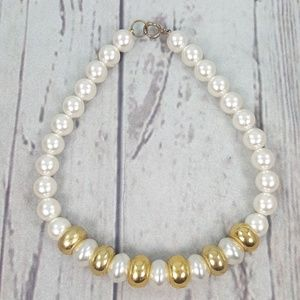 Jewelry - Vtg Oversized Pearl Necklace